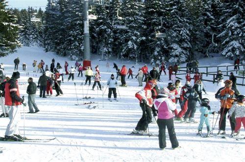 Skijanje se nastavlja: Kao i što smo najavljivali ovih dana, iako je pre samo tri dana skijaška sezona zvanično završena, zbog velikog interesovanja