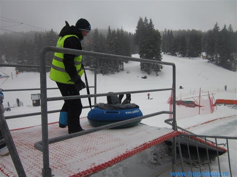 Kopaonik: Treći dan ski openinga Ni sneg koji je neprekidno padao ni temperatura od -10 C nisu omeli prave