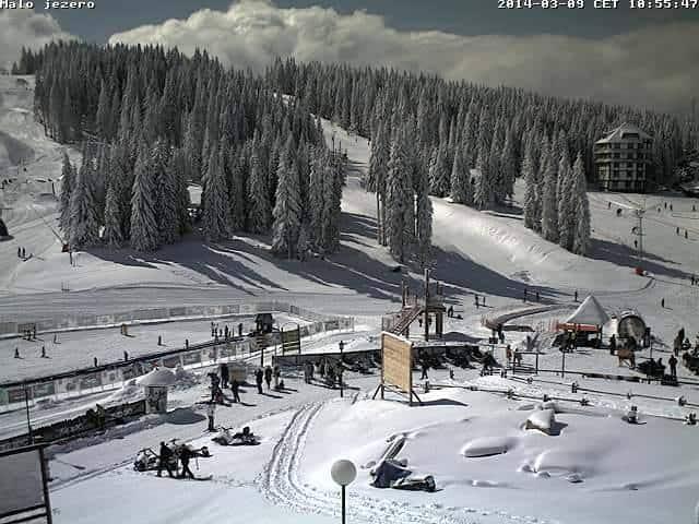 Na Kopu idealni uslovi za skijanje: Novih 20 centimetara snega koji je juče u toku dana pao u ski centru Kopaonik stvorili su pravi zimski raj u martu