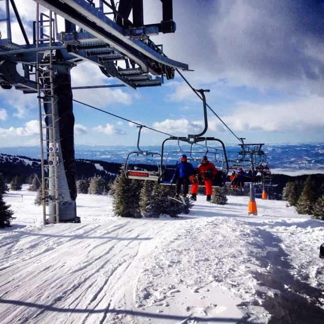 Promena rada skijališta na Kopaoniku  U ski centru Kopaonik će od 1. aprila raditi žičare Karaman greben i Pančićev vrh. Za skijaše i bordere pripemljeno je