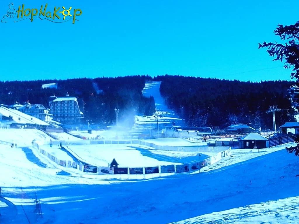 Prvi skijaški dan - Otvorena sezona: Prvog skijaškog dana na Kopaoniku skijalo je više od 1000 skijaša i bordera, i ujedno im je propala čast da otvore novu