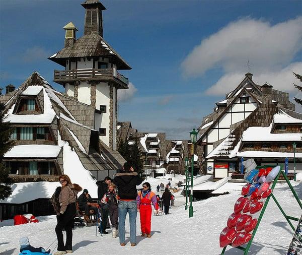 Sve veći broj turista iz Rusije: Оve godine је na srpskim skijalištima rekordan broj inostranih gostiju, u kojima po prvi put prednjače turisti iz Rusije.