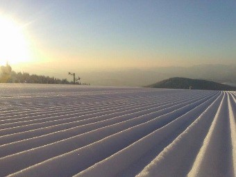 Mart idealan mesec za skijanje: Da je mesec mart je definitivno idealno vreme za zimske sportove pokazuje poseta ski centara, gde je za vikend zabeleženo 12