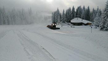 Sutra počinje sezona skijanja na Kopaoniku: Ski centar Kopaonik od sutra počinje sa radom. Prvi dan ski sezone biće besplatan, a za skijaše i bordere pripremljena je staza Karaman greben.