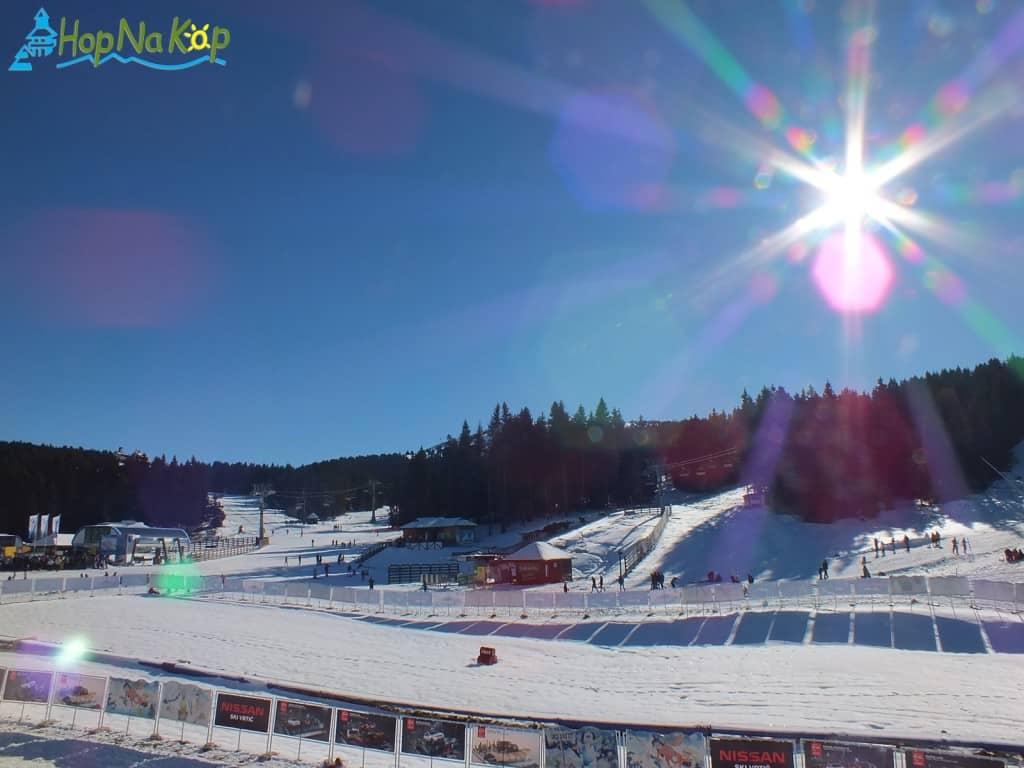Kopaonik danas (Slike): I danas nam je Kopaonik pokazao svoje najlepše lice i poželeo lep dan za skijanje. Trenutna temperatura na Kopu je ok 11°C a vreme