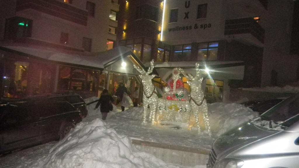 Proverite zašto se Deda Mraz i ove godine odlučio za MujEn Apartmani Kopaonik! Ho-Ho-Ho!!! Ulazimo u Novu godinu sa novim popustima! U periodu od