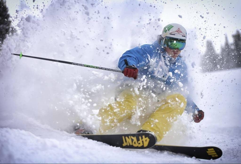 Kopaonik: Big air i slopestyle takmičenje  Na početku skijaške i snowborderske sezone, Abcrew organizuje takmičenje i veliki freestyle skup za sve