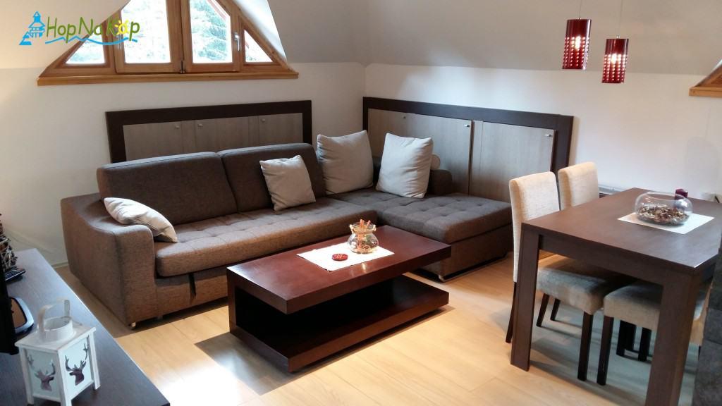 LAST MINUTE! Apartman u vili Jaram Cena četvorokrevetnog dupleks apartmana koji je trenutno slobodan do 24.01 iznosi 80e/noc Slike apartmana