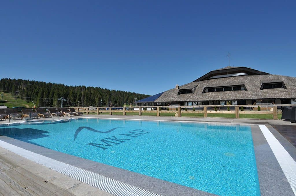 Grand Hotel & Spa_Outdoor pool