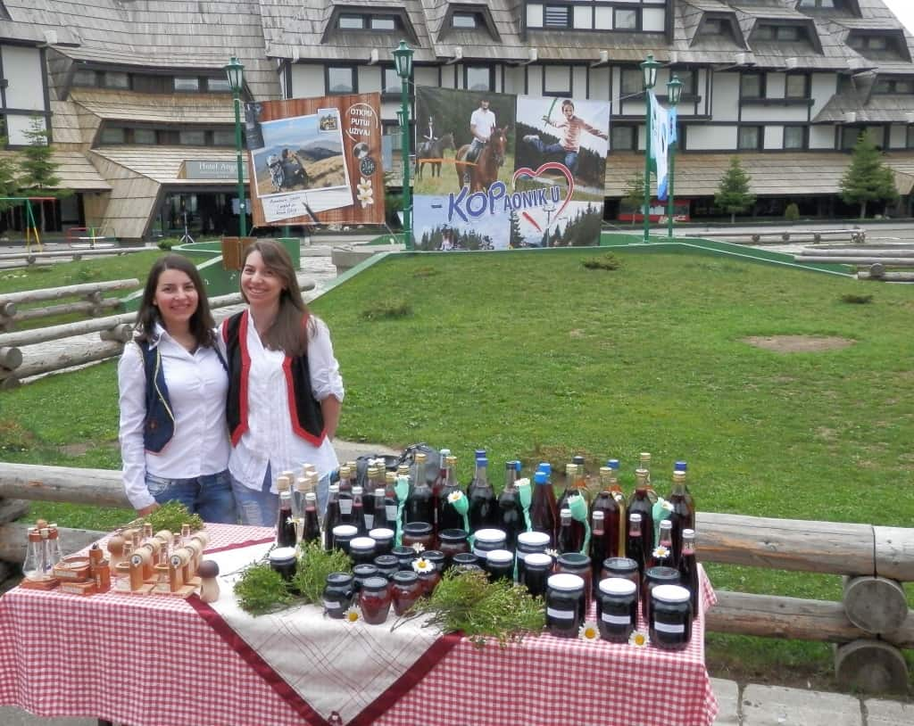 """DANI BOROVNICE - PROGRAM MANIFESTACIJE: Kopaonik, 26. jul 2017. – Tradicionalna manifestacija """"Dani borovnica"""" na Kopaoniku, ove godine održaće se po osmi p"""