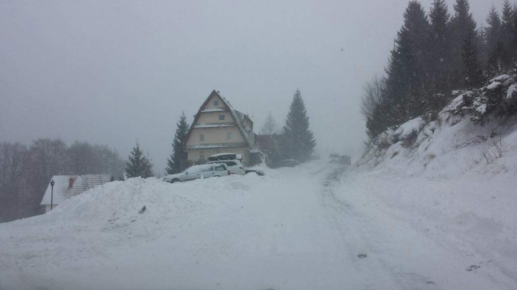 Novi rekord Kopaonika: Na Kopaoniku je danas postavljen novi rekord. Od kako se vrše merenja temperature na Kopaoniku, danas je izmerena najniža temperatura