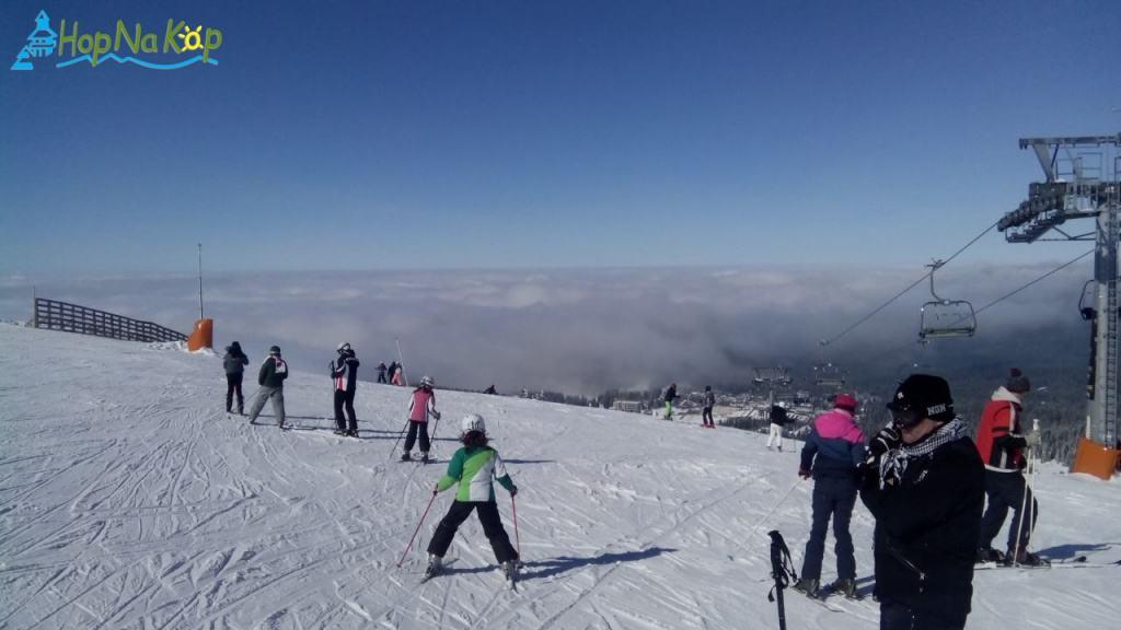 Kopaonik izveštaj 12 Februar 2017 (FOTO): Danas na Kopaoniku prevlađuje pretežno maglovito vreme. Trenutna temperatura je -3°C, brzina vetra 2 m/s,