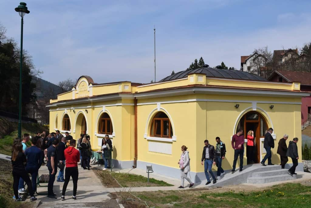 U Jošaničkoj banji podno Kopaonika, rekonstruisano banjsko kupatilo otvorio je ministar trgovine i turizma Rasim Ljajić. Rasim Ljajić je naveo da je za ulag