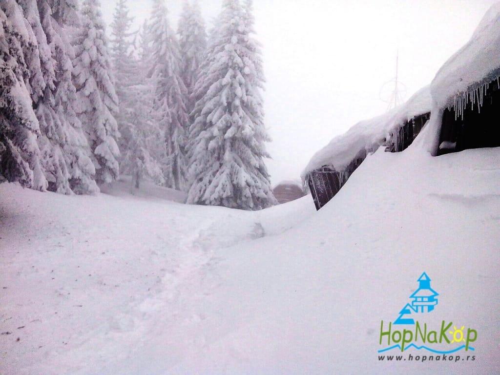 Visina snega na Kopaoniku ide na metar