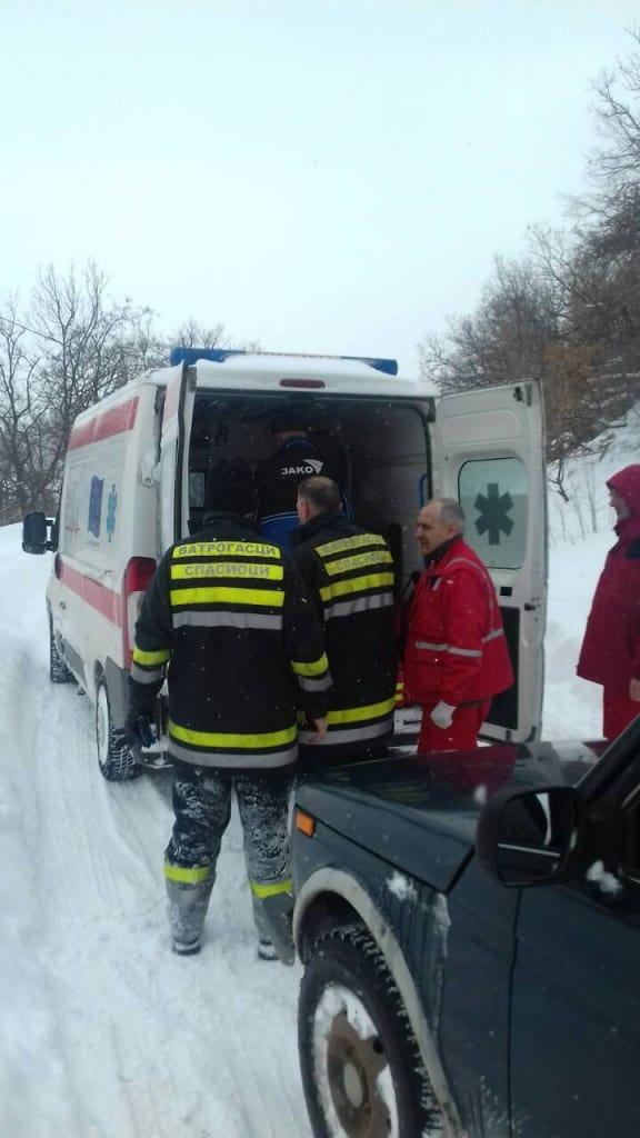 SPASIOCI GORSKE SLUŽBE SPASAVANJA SRBIJE UČESTVOVALI U EVAKUACIJI STARICE U SELU GORNJANE.Spasioci Gorske službe spasavanja Srbije primili su hitan poziv u saradnji sa vatrogascima iz vatrogasne spasilačke jedinice MUP-a u Boru, povodom evakuacije starice iz sela Gornjane, između Bora i Majdanpeka.
