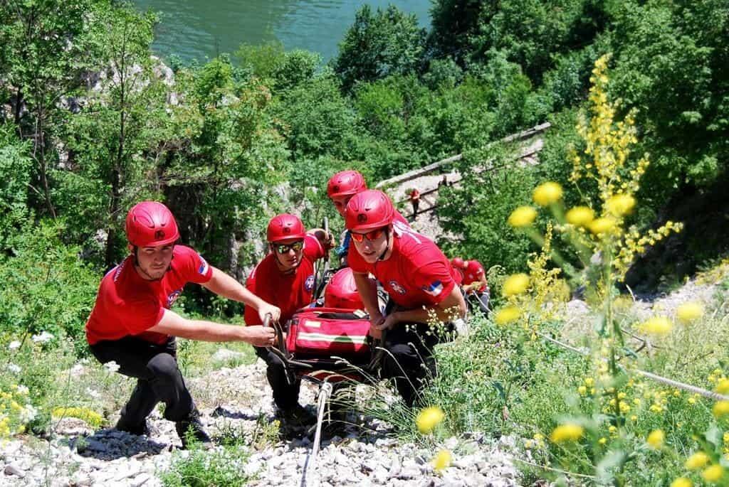 Testiranjem u Beogradu, 3. septembra na Adi Ciganliji, počela su ovogodišnja testiranja kandidata za Osnovni kurs Gorske službe spasavanja Srbije. Ove godin